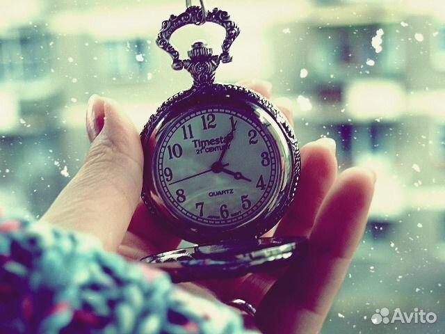 А вы никогда не задумывались почему ломаются часы. Просто стрелка влюбляет