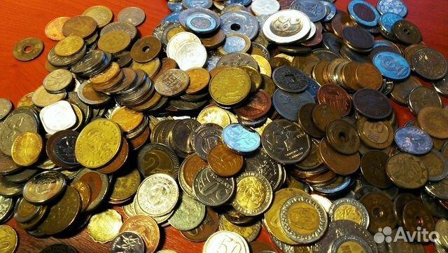 Еще есть баночка с двойными монетами разных стран (старых и новых), давайте менять