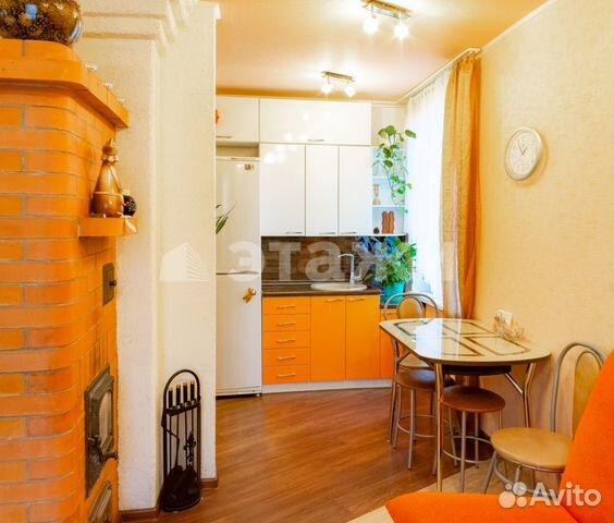Продается двухкомнатная квартира за 1 750 000 рублей. Коммунистов, 37.