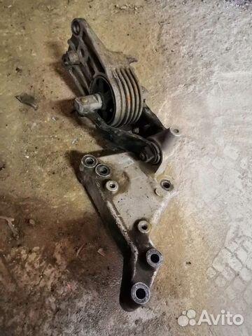 89226688886 Опора двигателя правая (Rover 75)