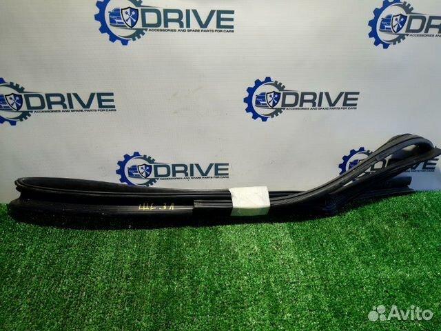 89270165946 Уплотнитель стекла двери задний левый Chevrolet