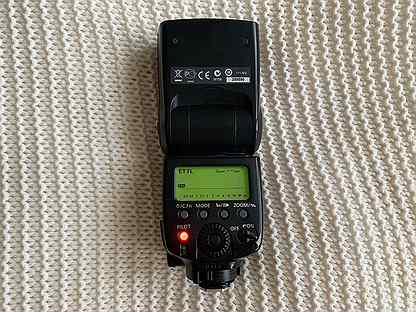 Вспышка Canon Speedlite 580EX II с чехлом