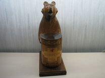 Медведь с бочонком. выс.27 см дерево