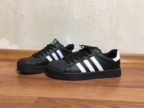 Новые кроссовки Adidas (черные)